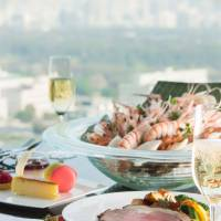 Special holiday brunch at ANA InterContinental; Westin Tokyo garden opens; star French chef visits Mandarin Oriental, Tokyo