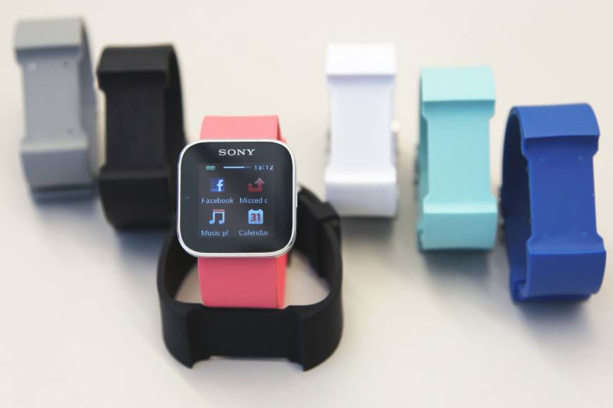 Apple, Samsung looking to produce  smart watches as Sony's time passes