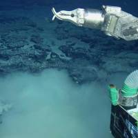 In search for lost world: A Shinkai 6500 manned submersible belonging to the Japan Agency for Marine-Earth Science and Technology probes the seabed off the coast of Rio de Janeiro on April 30. | JAPAN AGENCY FOR MARINE-EARTH SCIENCE AND TECHNOLOGY/KYODO
