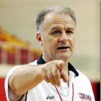 The strategist: Former Japan team national coach Zeljko Pavlicevic devised a game plan that put Shimane shot-blocking maestro Jeral Davis in position to be a dominant force on Friday in Game 1 of the Susanoo Magic's playoff series against the Hamamatsu Higashimikawa Phoenix. | JAPAN BASKETBALL ASSOCIATON