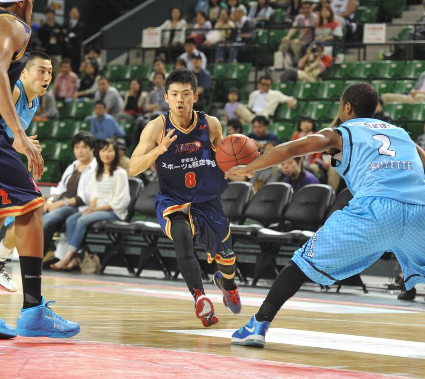 Fukuoka blows out Kyoto, clinches spot in title game