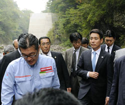 Public works project has DPJ in a dam mess