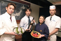 staff members with Koji Imai (second from left), president of Food Scope, which own the Imaiya group | YOSHIAKI MIURA PHOTO