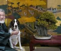 Proud owner Yasuo Toda at home with his English pointer, Woowo. | YASUO TODA PHOTO