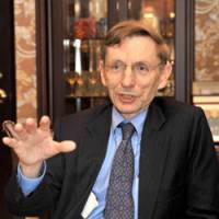 Problem solver: Bill Drayton, founder and CEO of Ashoka: Innovators for the Public, is interviewed at The Japan Times office Thursday. | YOSHIAKI MIURA PHOTO