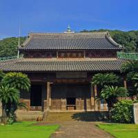 China town: The Chinese-style main hall of Kofukuji, the earliest Chinese temple in Nagasaki. | ALON ADIKA