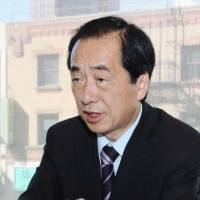 From experience: Ex-Prime Minister Naoto Kan is interviewed Tuesday in Los Angeles. He made his first public address abroad on nuclear issues at a symposium the same day. 
