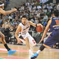 Valuable contributor: Yokohama B-Corsairs shooting guard Masayuki Kabaya, seen in the bj-league championship game against the Rizing Fukuoka, is The Japan Times' top-ranked Japanese player for the 2012-13 season. | YOSHIAKI MIURA