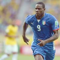 Balotelli's injury delivers blow to Italy's hopes