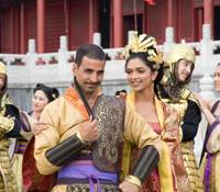 Over the top: Akshay Kumar leads the line in 'Chandni Chowk to China.' | 2009 WARNER BROS. PICTURES (INDIA) PVT. LTD. AND RSE PEOPLE TREE FILMS