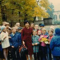 Launch party: Motoko Inagawa with foreign children in 1985, when she opened her Tokyo agency at the age of 51. | MOTOKO INAGAWA