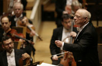 Legend: Japan has its only chance to see Bernard Haitink perform with the Chicago Philharmonic Orchestra in late January and early February. | © TODD ROSENBURG