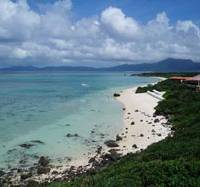 Life's a beach: Ishigaki Island's subtropical climate makes it a great destination for holidays year-round. As well, due to the resort hotel's location on a cape, guests have exclusive use of this gleaming white sandy beach. | ERIKO ARITA PHOTO