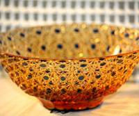 While this bowl (above) and plate show the artistry of Yuji Kadowaki and Toshio Takizawa, respectively.