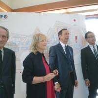 Looking ahead: From left, Italian Ambassador Domenico Giorgi, Italian Vice Foreign Minister Marta Dassu, Commissioner of Expo 2015 Giuseppe Sala, Japanese Commissioner for Expo 2015 Hisanori Goto and Masaaki Taira, parliamentary vice minister of economy, trade and industry, attend the signing ceremony for Japan's participation in the next Universal Expo, to be held in Milan in 2015, on Thursday at the Italian Embassy in Tokyo. | CHIHO IUCHI