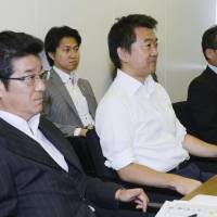 Hashimoto, Matsui offer to quit but are persuaded to stay