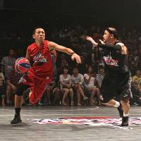 Not your normal setting: Streetball took over the dance floor at popular nightclub Ageha on Saturday.   KAZ NAGATSUKA