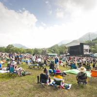 The Green Stage is set and Fuji Rock Festival 2013 is ready to go. The Naeba Ski Resort venue in Niigata Prefecture didn't stay dry and sunny for long though. | JAMES HADFIELD
