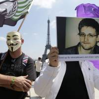 Germans 'in bed' with NSA; Brazil targeted