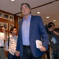 On tour: Director Oliver Stone drops by the Foreign Correspondents' Club of Japan in Tokyo to hold a press conference with historian Peter Kuznick. | AFP-JIJI