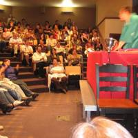 Funnyman: Kaishi Katsura has the audience rolling with his 'rakugo' comic storytelling performance in English during a 2008 tour of the United States. | COURTESY OF KAISHI KATSURA