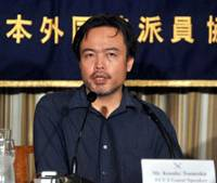 Freedom of the press: Kosuke Tsuneoka holds a news conference Tuesday in Tokyo at the Foreign Correspondents' Club of Japan. | YOSHIAKI MIURA PHOTO