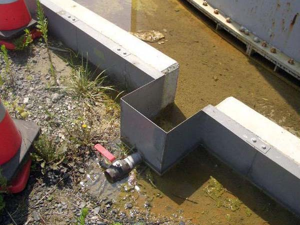 Toxic puddles found near water tanks at Fukushima plant