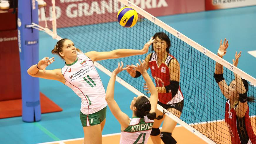 Offensive preparation: Bulgaria's Hristina Ruseva (11) and Lora Kitipova team up against Japan on Friday in the FIVB World Grand Prix in Sendai. Bulgaria beat Japan 3-0 (25-23, 25-32, 31-29). | FIVB
