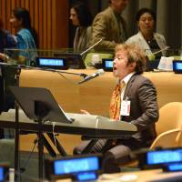 Singer brings peace message to U.N.