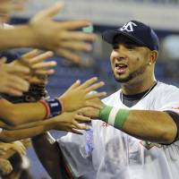 Commissioner Kato denies Balentien's homers related to altered ball