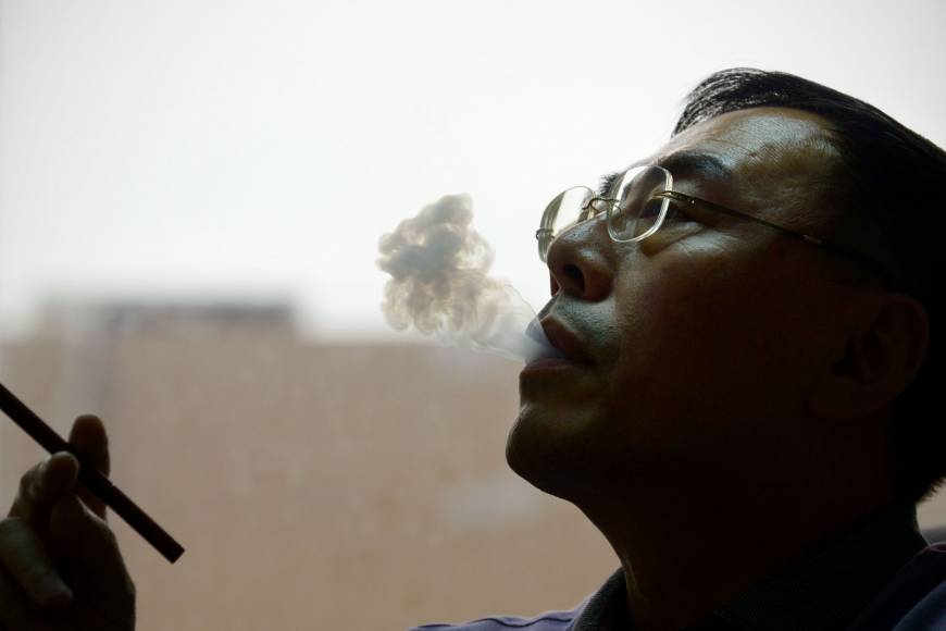 Chinese e-cigarette inventor fights for royalties