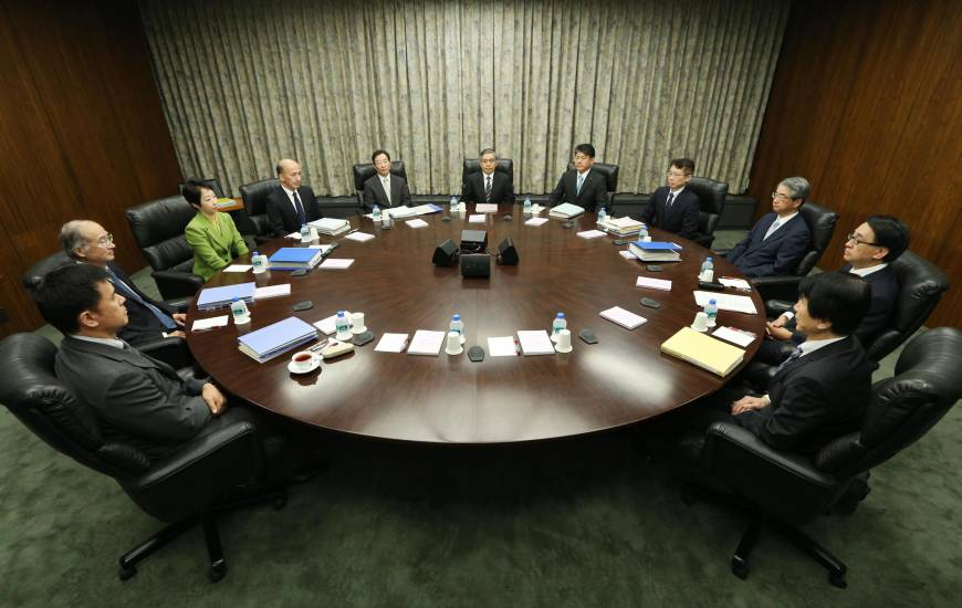 BOJ stays ultra-easy policy course; outlook same