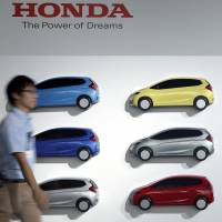 Honda Fit designed as 'Prius-killer' in challenge to Toyota