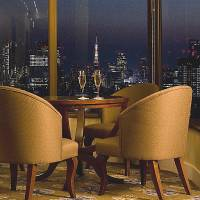 Breathtaking views of Tokyo from the hotel's new spacious Executive Lounge.