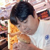 Fukushima chef raises residents' morale with trip to France