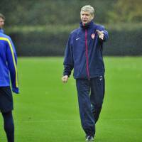 Wenger thinks Ferguson could return to managing