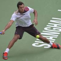 Tsonga dominates Mayer, reaches Shanghai semis