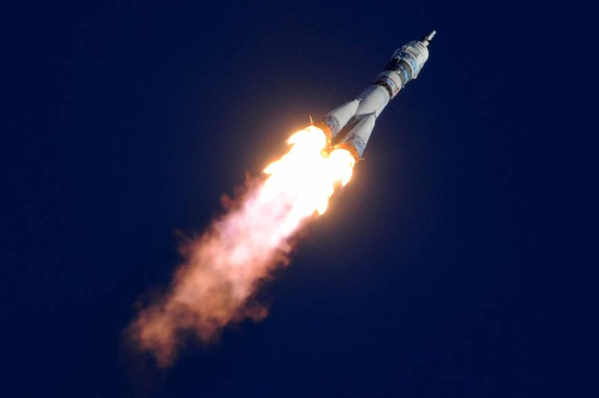 Rocket blasts off for ISS carrying Olympic torch