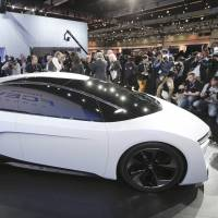 Fuel-cell cars make splash at auto shows
