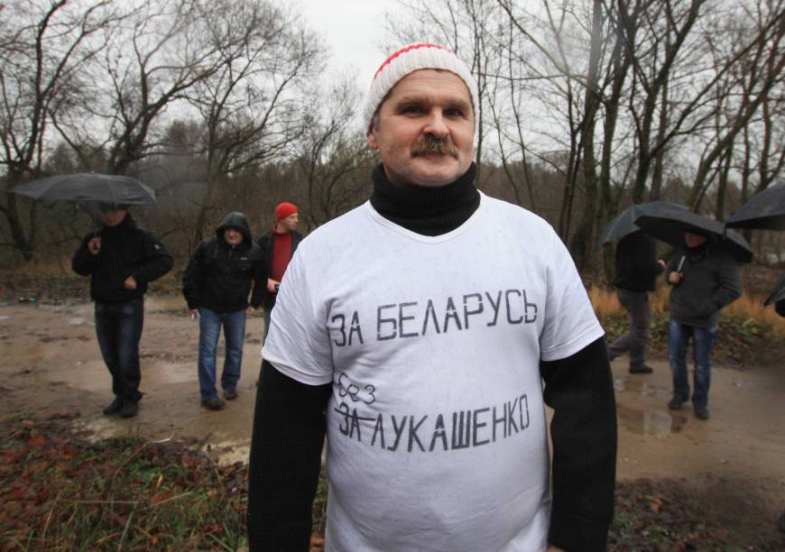 Belarusian protester freed after five days in jail for anti-Lukashenko T-shirt