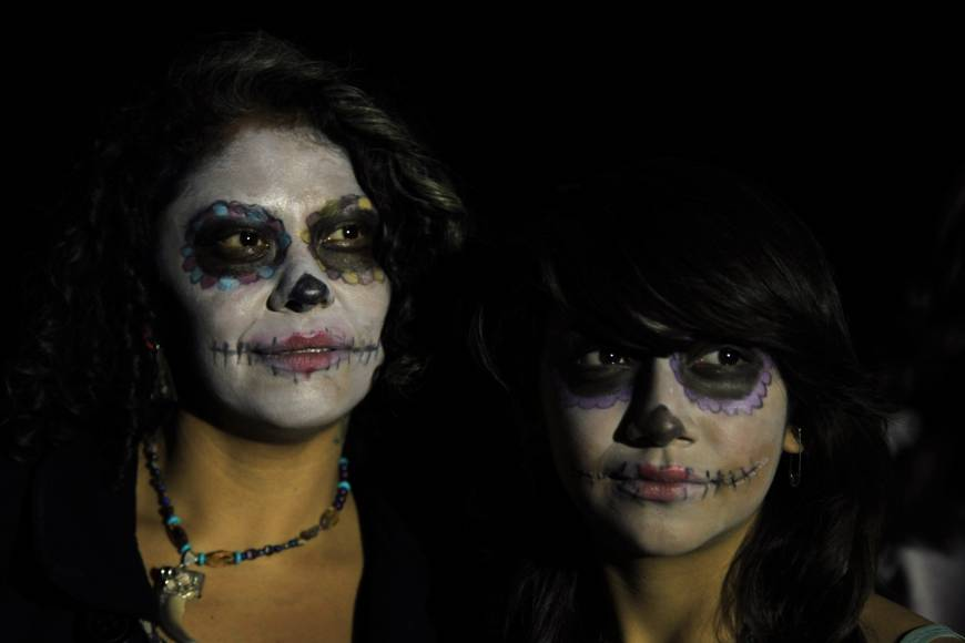 Mexican Day of Dead 'Skeleton Lady' spreads look