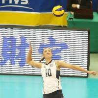 Stellar performance: Jordan Larson-Burbach of the United States finishes with a 20 points, tying teammate Kelly Murphy for the match-high total on Wednesday | FIVB