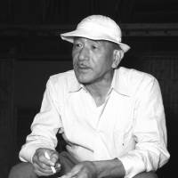 'Contrary' director: Yasujiro Ozu  on location during the shooting of 'Floating Weeds' in 1959. | KYODO