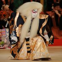 King of the stage: Kanzaburo as a lion in the Cinema Kabuki film about him titled 'Shunkyo Kagamijishi.' | © SHOCHIIKU