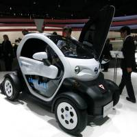 Ready for a spin: The public can test-drive Nissan Motor Co.'s Choi Mobi, shown here at the motor show, in Yokohama until around next October. | KAZUAKI NAGATA