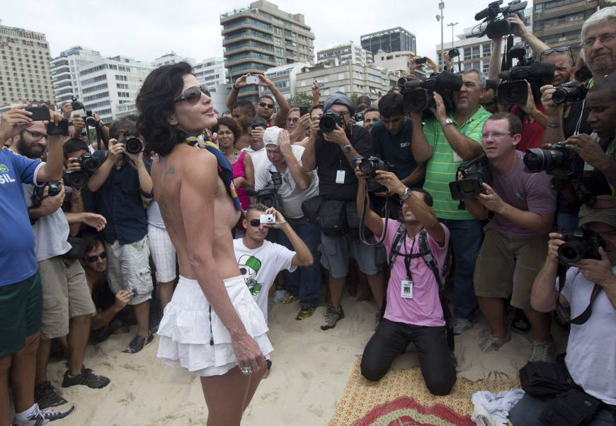 Protest for right to go topless on Rio's beaches falls flat