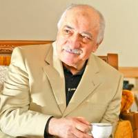 Principal opponent: Fethullah Gulen is interviewed by Turkish journalist Nuriye Akman in 2012. | DIYAR SE/WIKIMEDIA COMMONS