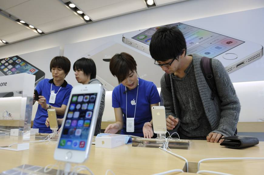 Japanese makers play catch-up in smartphone market