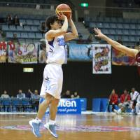 Toshiba rolls to 13th straight victory