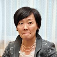 Akie Abe opines but knows her place in his story